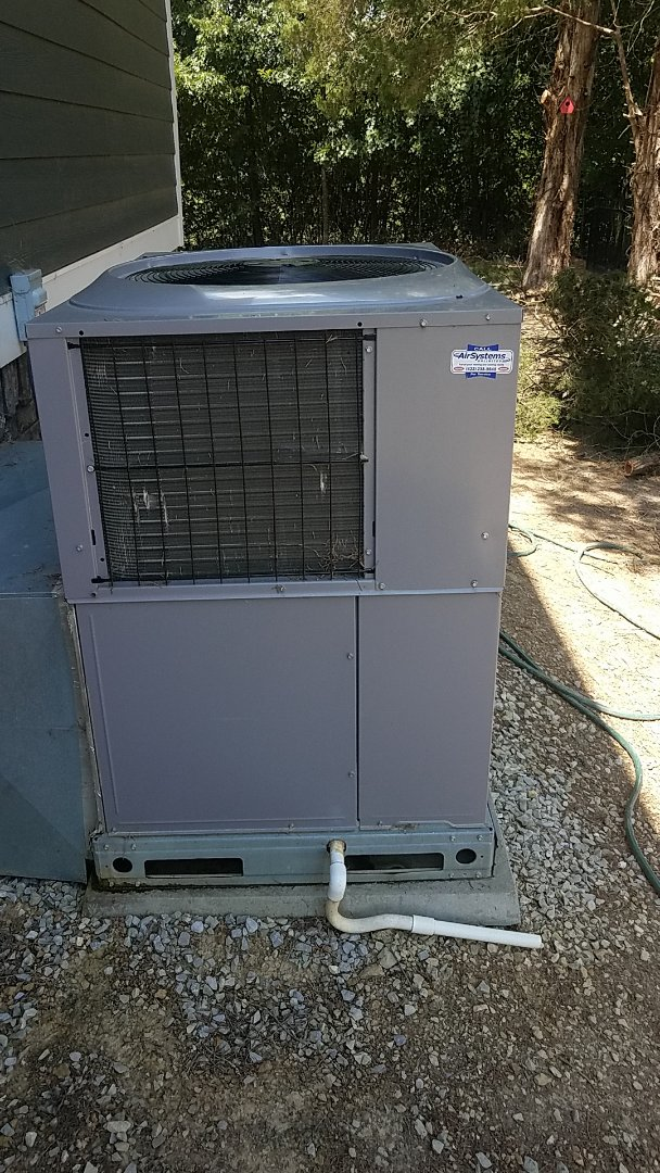 Ooltewah, TN - Service call.  Performed service on a Carrier AC system.