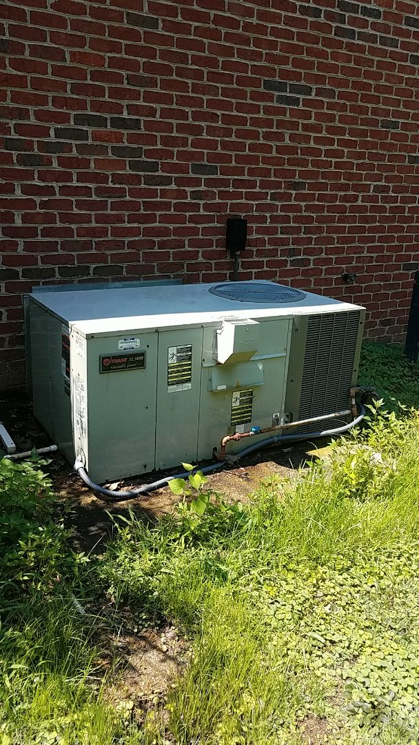 Ooltewah, TN - Service call.  Performed service on a Trane AC system.