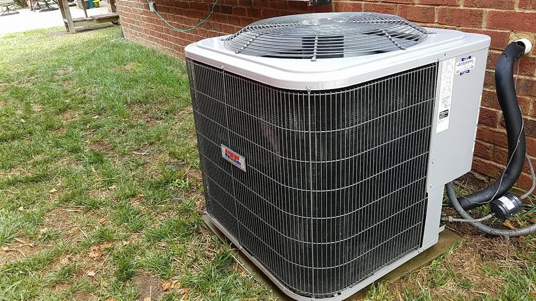 McDonald, TN - Maintenance call. Performed maintenance on Heil heat pump