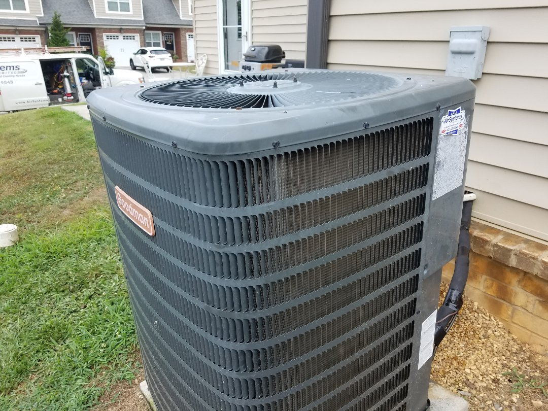 Cleveland, TN - Service call. Performed repair on Goodman heat pump