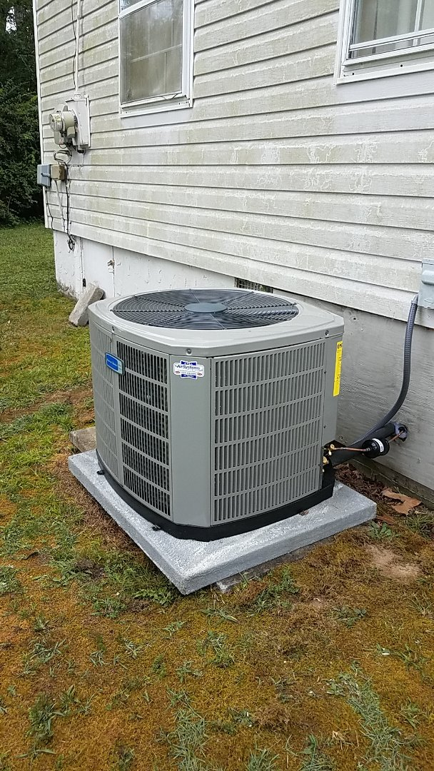 Ooltewah, TN - Installation of a new American Standard Heat Pump.