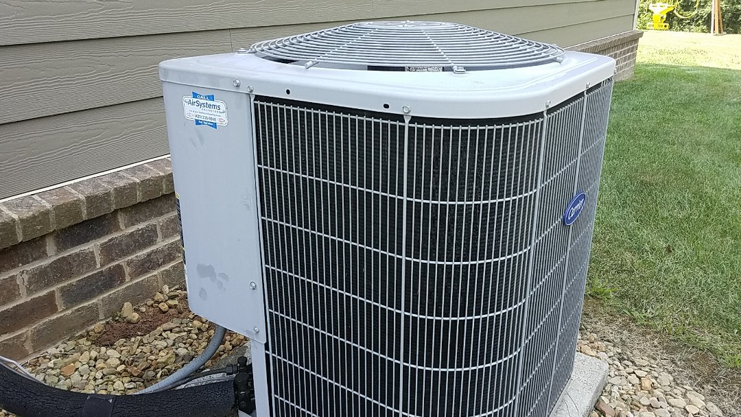 Ooltewah, TN - Service call. Performed repair on Carrier heat pump