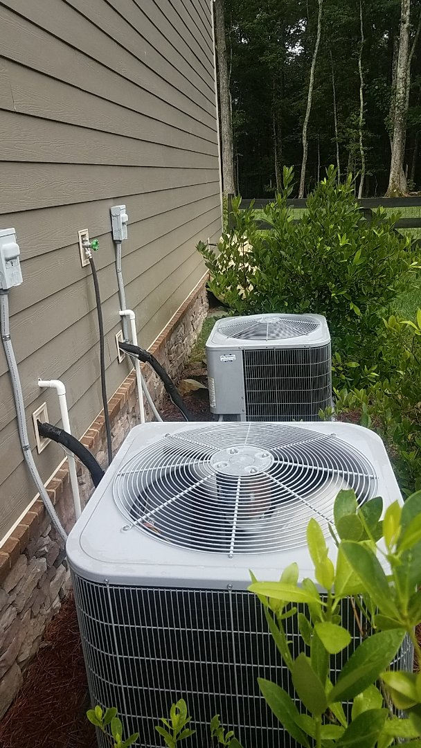 Signal Mountain, TN - Service call.  Performed Summer maintenance on two Carrier AC system.