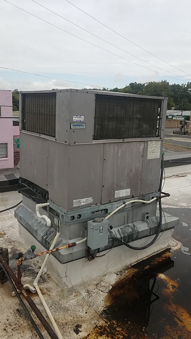 Cleveland, TN - Service call.  Performed service on a Tempstar AC system.