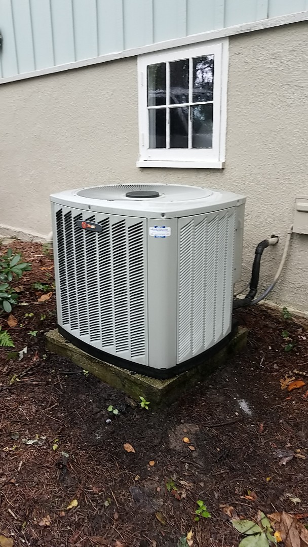 Signal Mountain, TN - Service call.  Performed Summer maintenance on two Trane AC systems.
