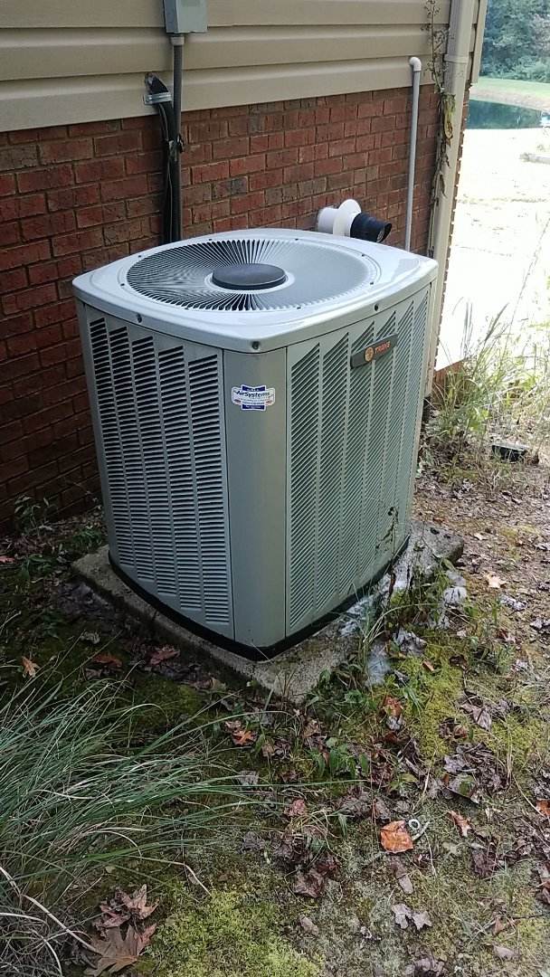 McDonald, TN - Service call.  Performed Fall maintenance on two Trane systems.