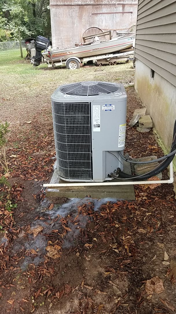 Chattanooga, TN - Service call.  Performed Fall maintenance on a Carrier heat Pump system.