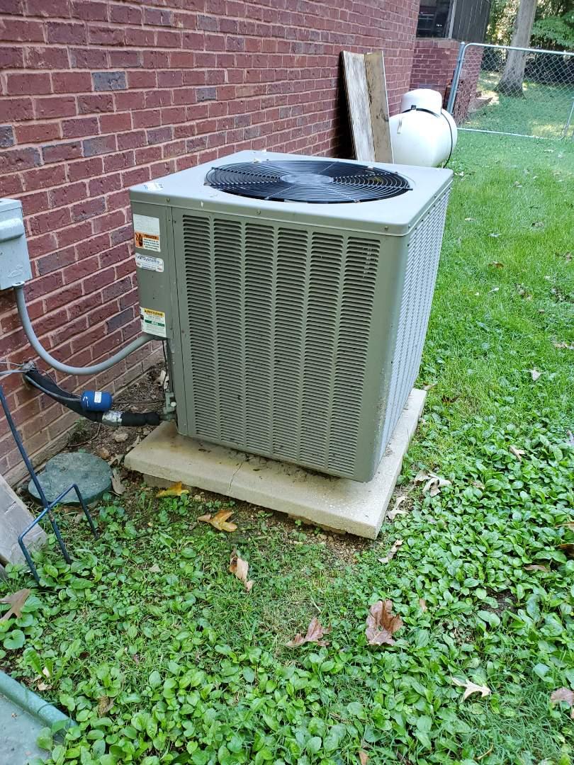 Cleveland, TN - Service call.  Made repair on Rheem condenser