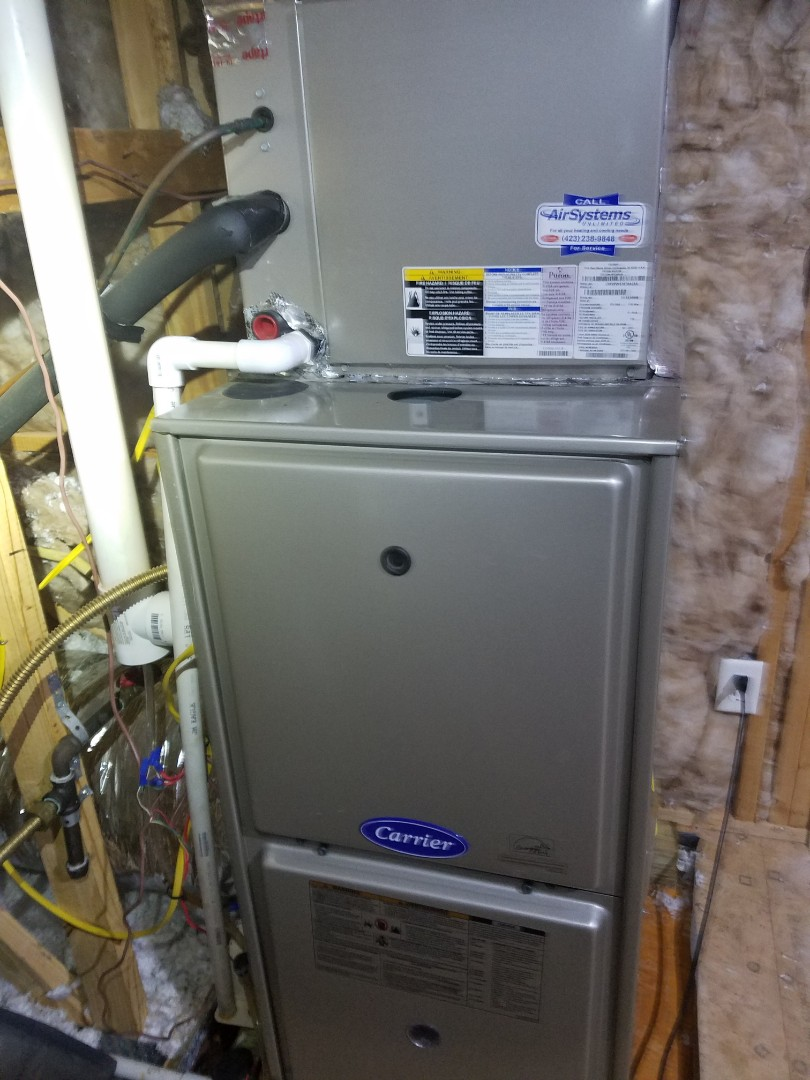 Collegedale, TN - Maintenance call. Performed maintenance on Carrier heat pump