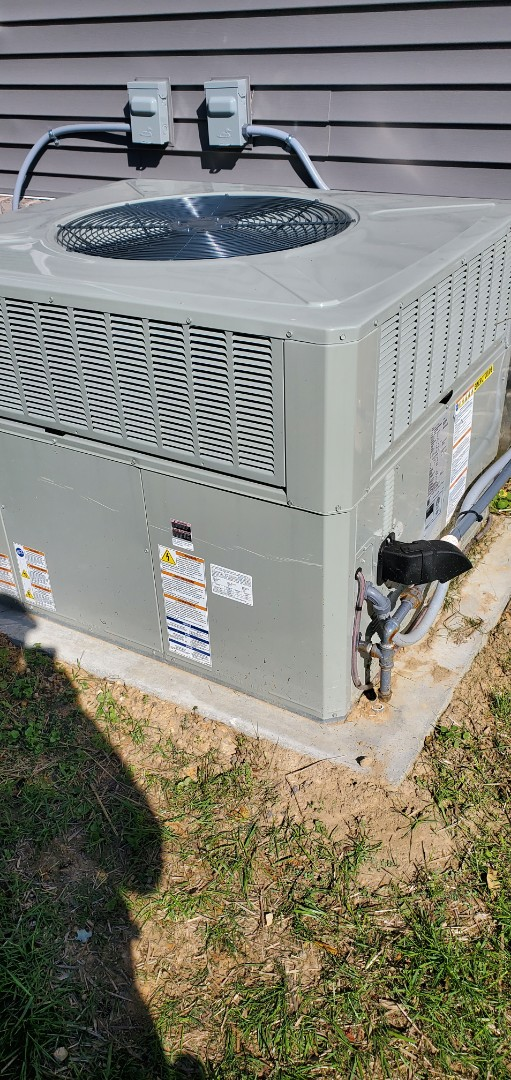 Cleveland, TN - Service call.  Performed repair on American Standard gas pack.