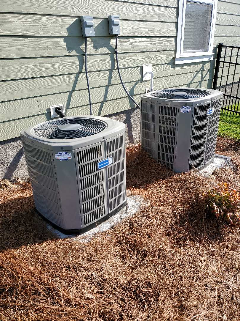 Cleveland, TN - Service call . Performed repair on Carrier condenser