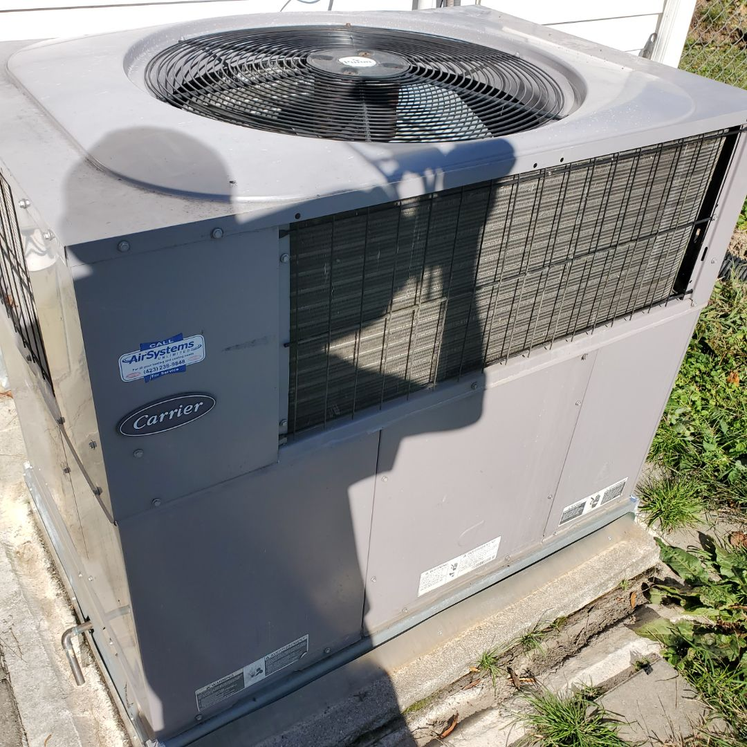 Soddy-Daisy, TN - Service call.  Performed repair on Carrier package heat pump.