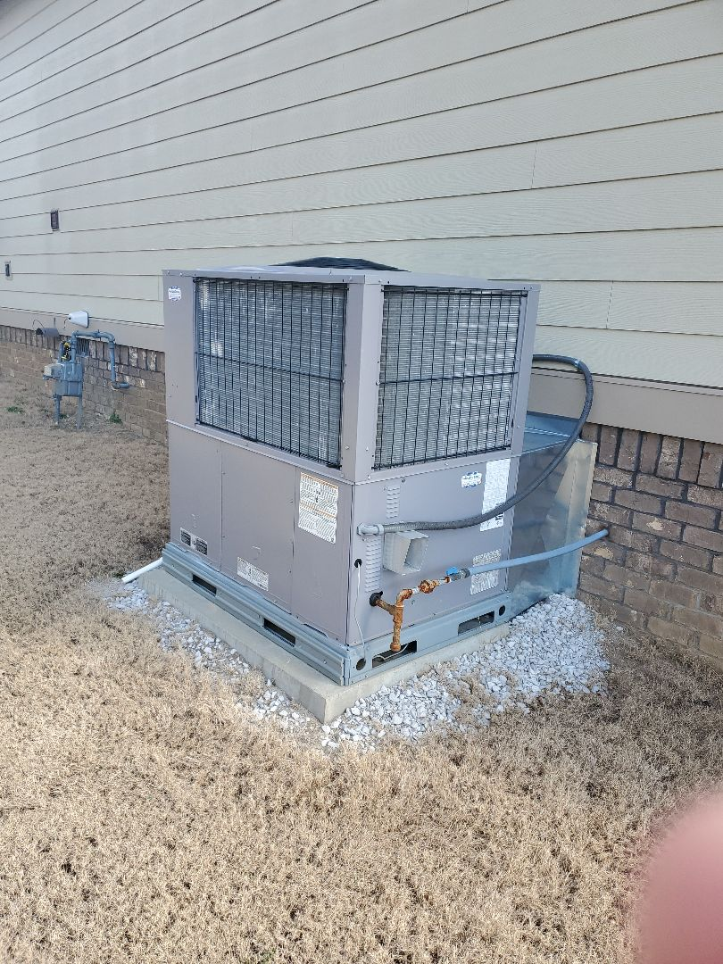 Ooltewah, TN - Maintenance Call. Performed maintenance on Carrier gas package.