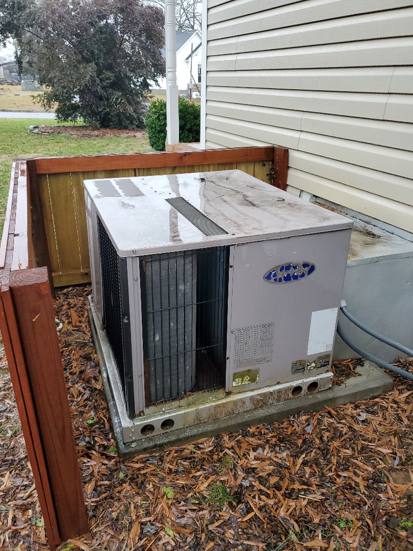 Chattanooga, TN - Service call. Performed service on Carrier package heat pump.