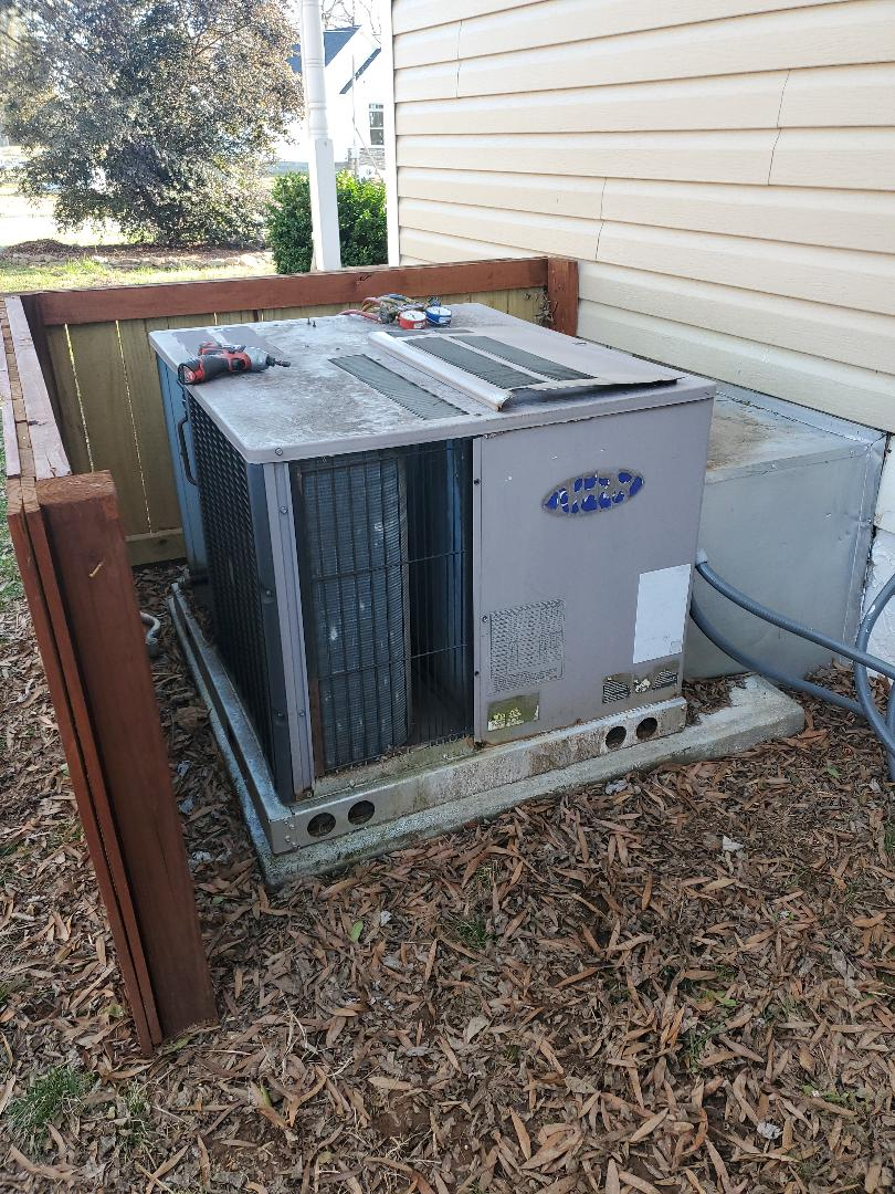 Chattanooga, TN - Service call. Performed service on a Carrier package heat pump.