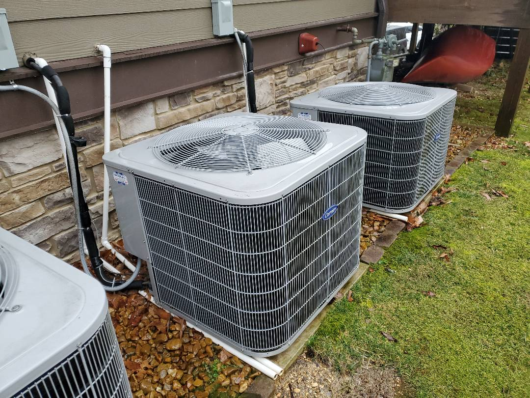 Soddy-Daisy, TN - Service call. Performed repair on Carrier heat pump.