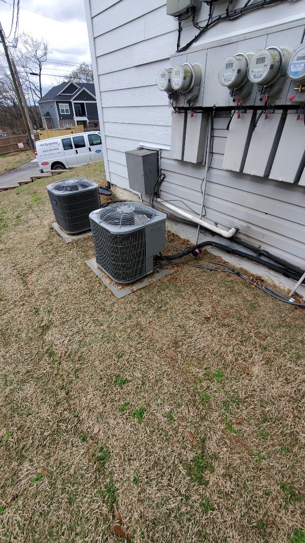 Chattanooga, TN - Service call. Performed repair on Carrier condenser.
