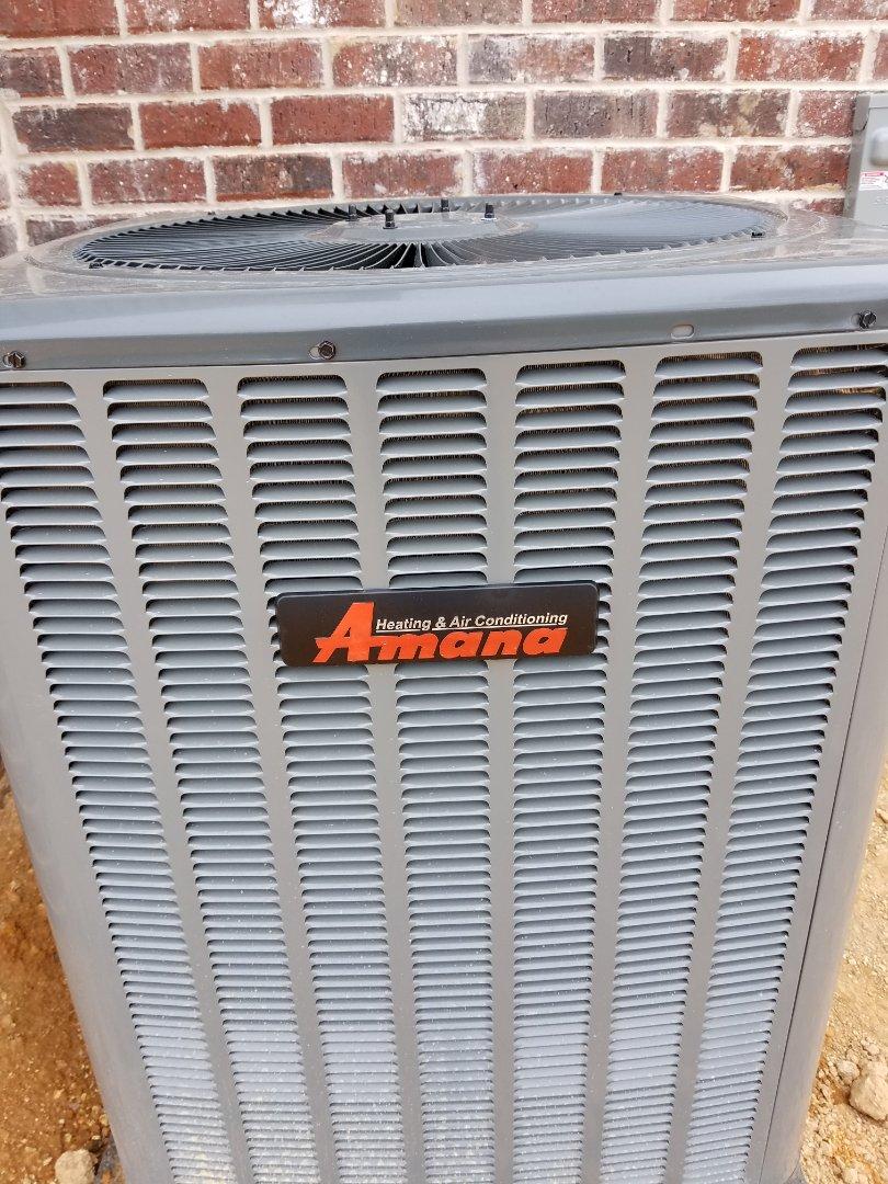 Ooltewah, TN - Maintenance call.  Performed maintenance on Amana AC unit.