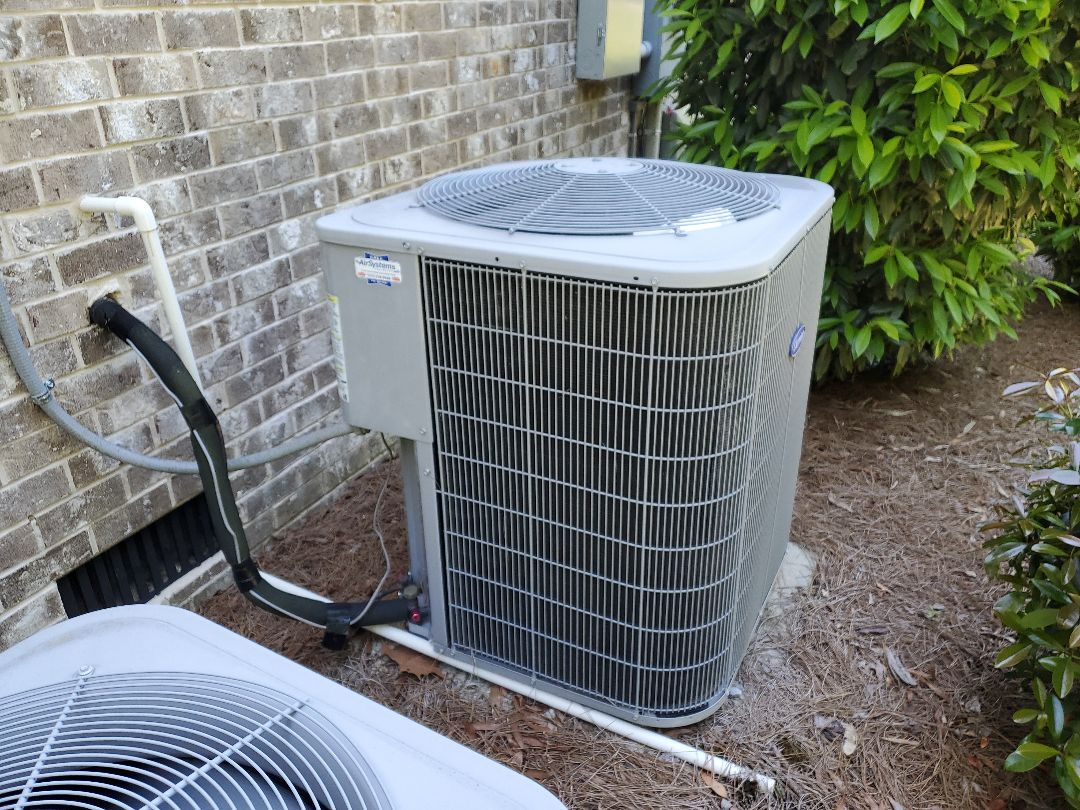 Chattanooga, TN - Service call. Performed repair on Carrier AC unit.