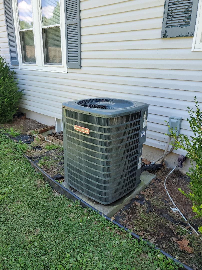 Charleston, TN - Service call.  Performed cooling repair on Goodman system
