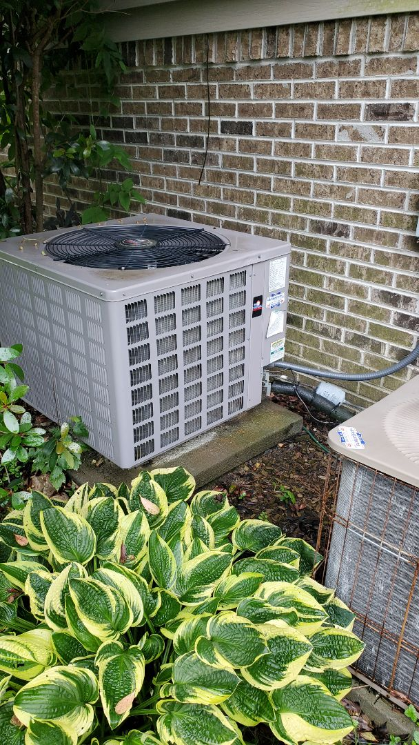 Cleveland, TN - AC maintenance call. Performed service on Tempstar unit