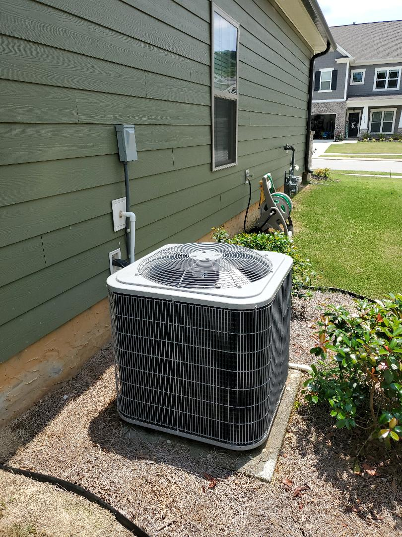 Chattanooga, TN - Service call.  Performed maintenance on Carrier air conditioner and furnace