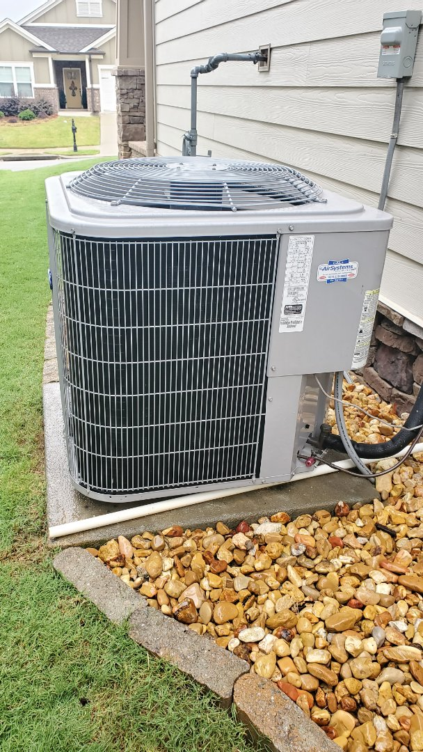 Chattanooga, TN - AC maintenance call. Performed service on Carrier unit