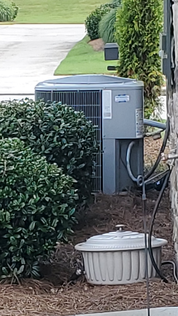 Chattanooga, TN - AC service call. Performed repair on Carrier unit