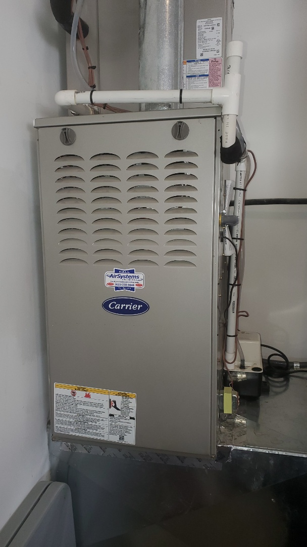 Apison, TN - Warranty service call. Performed repair on Carrier unit