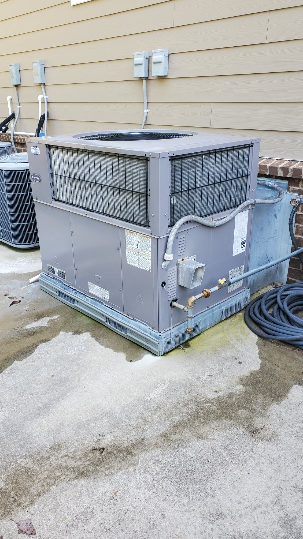 Chattanooga, TN - AC service call. Performed service on Carrier unit
