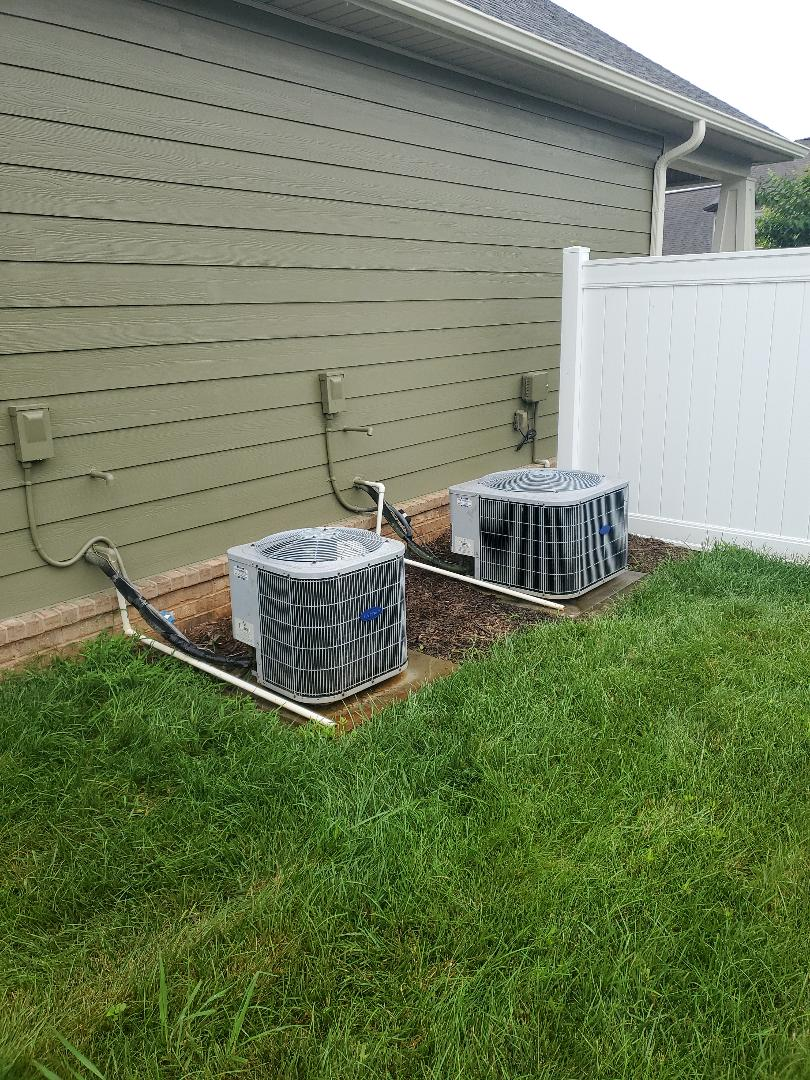 Ooltewah, TN - Service call.  Performed maintenance on Carrier air conditioners