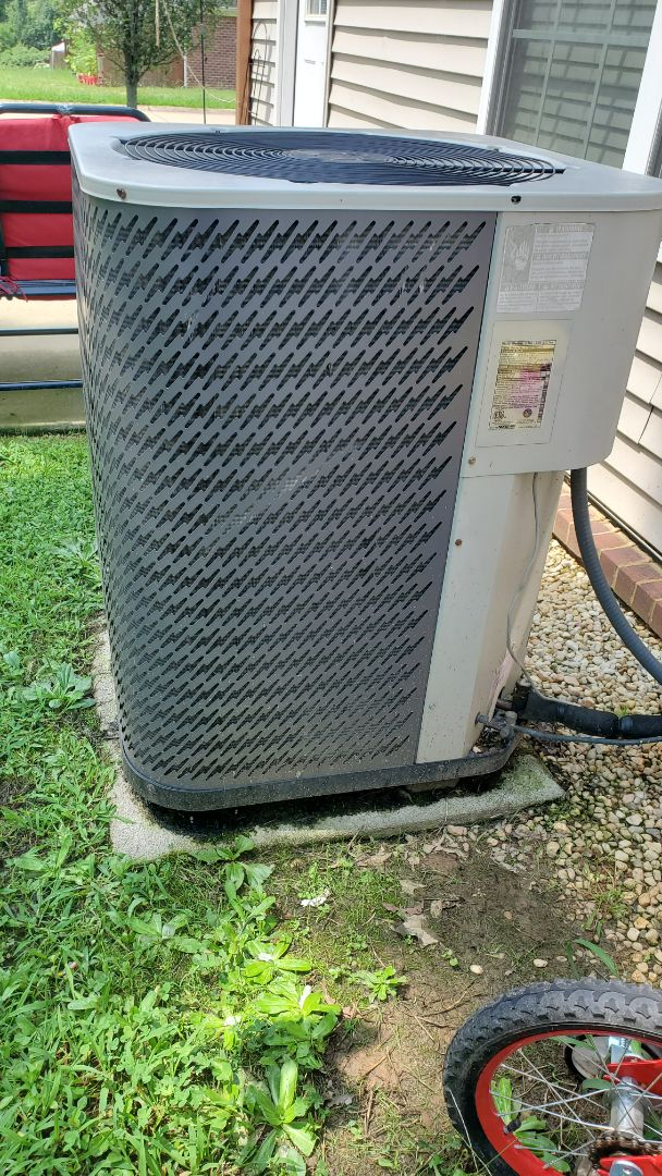Cleveland, TN - AC maintenance call. Performed service on Frigidaire unit