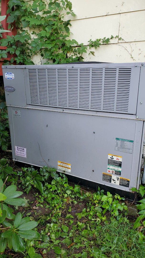 Cleveland, TN - AC maintenance call. Performed service on Carrier unit