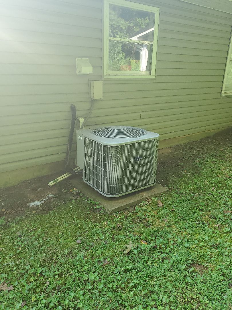 Cleveland, TN - Service call.  Performed maintenance on Carrier air conditioner.