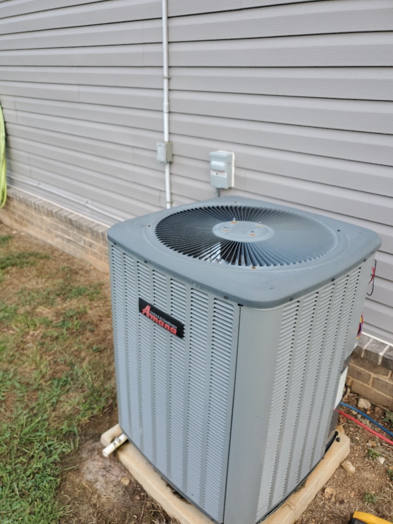 Cleveland, TN - Service call.  Performed maintenance on two Amana systems.