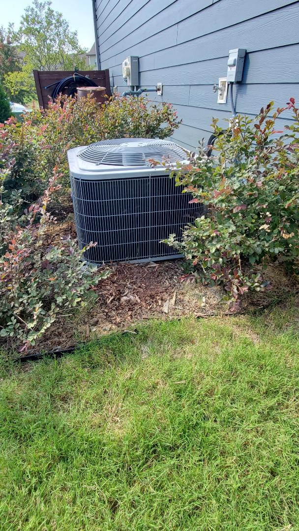 Ooltewah, TN - AC service call. Performed diagnostic on Carrier unit