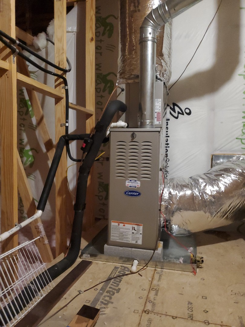 Cleveland, TN - Service call.  Performed maintenance on Carrier gas furnace.