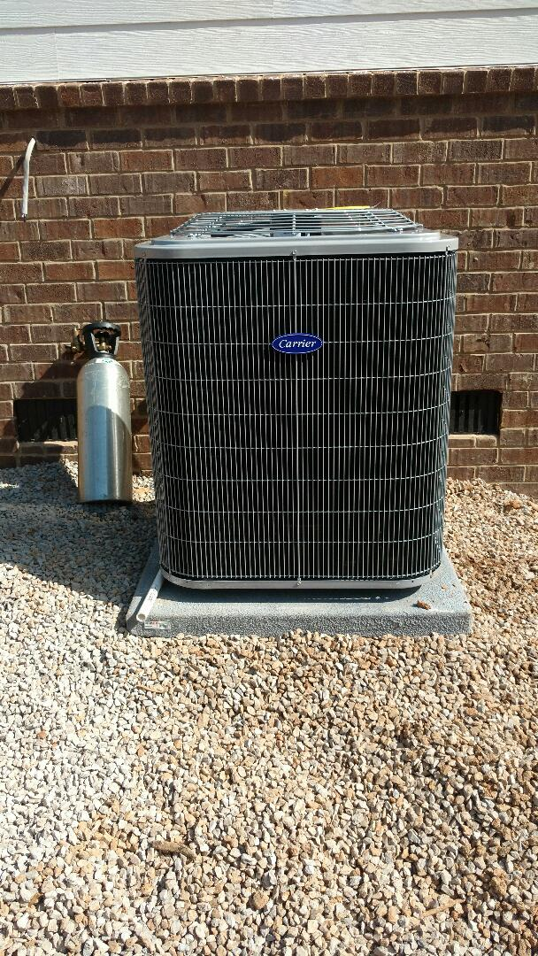 Signal Mountain, TN - Perform install of carrier heat pump.