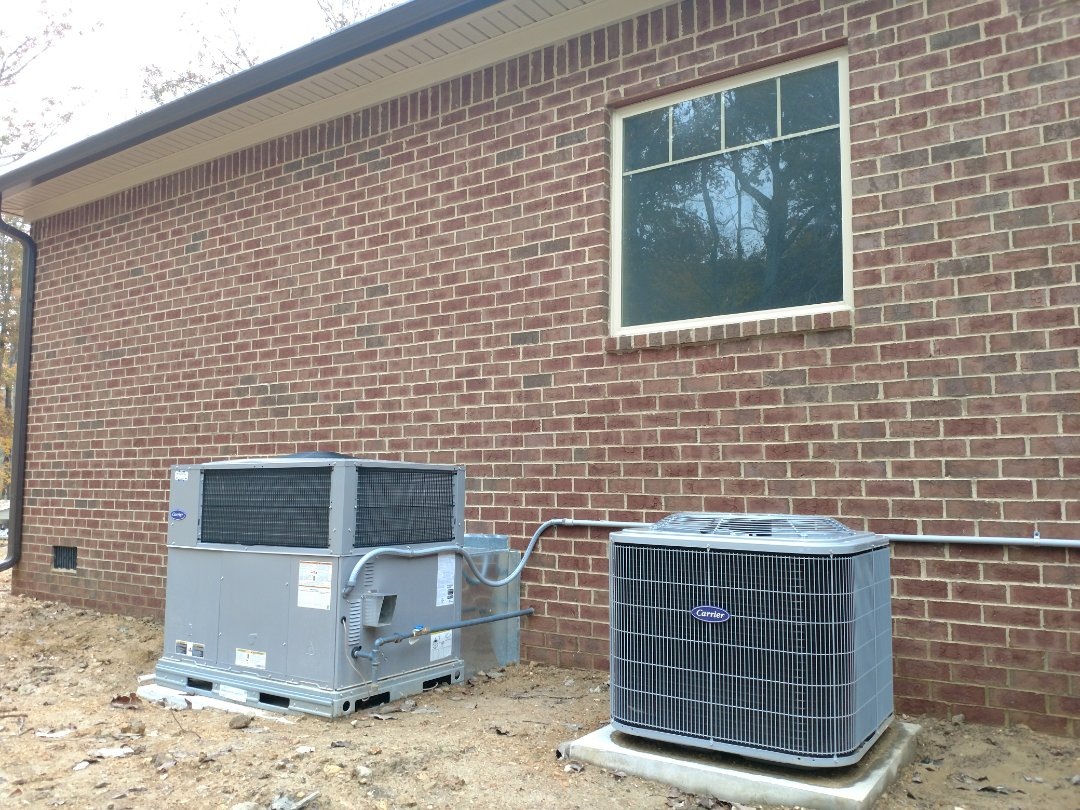 Soddy-Daisy, TN - Install Carrier gas package unit.