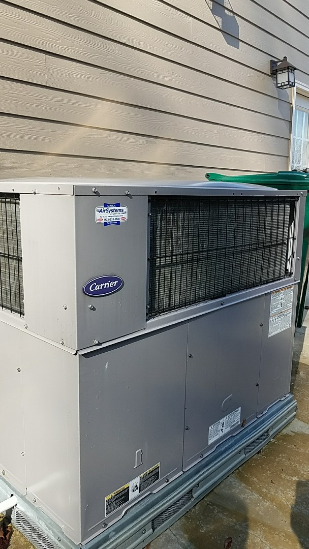 Chattanooga, TN - Maintenance call. Performed maintenance on carrier hvac system.