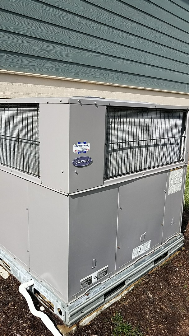 Apison, TN - Maintenance call. Performed maintenance on carrier hvac system.