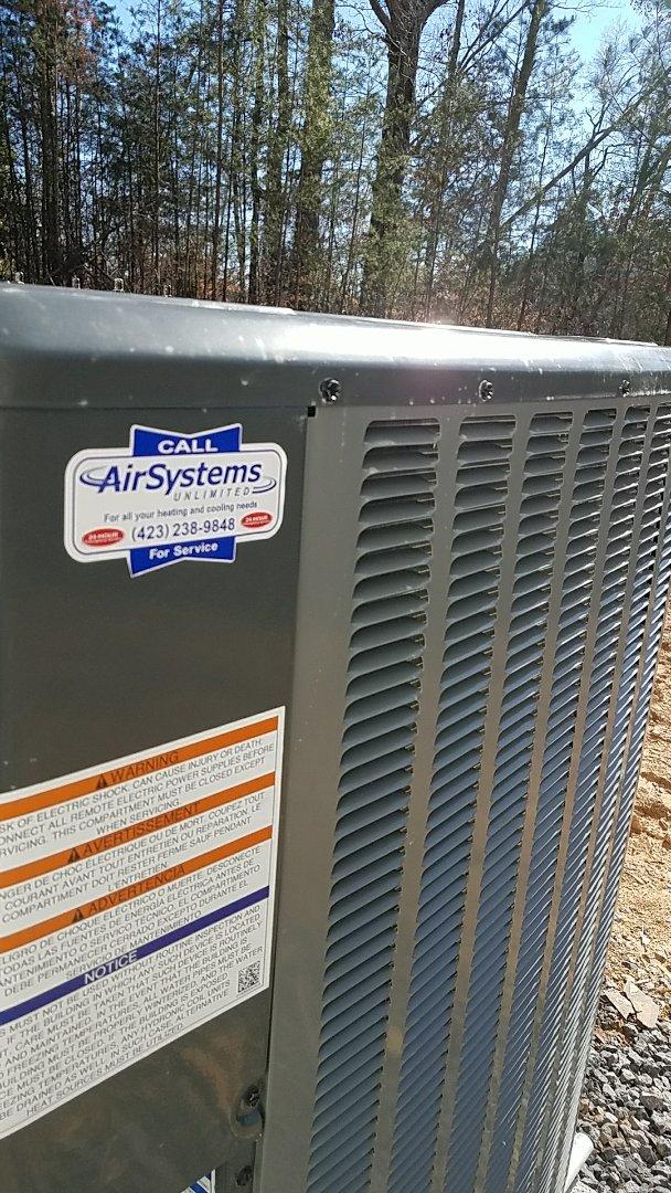 Ooltewah, TN - Installation. Install Amana heat pump system.