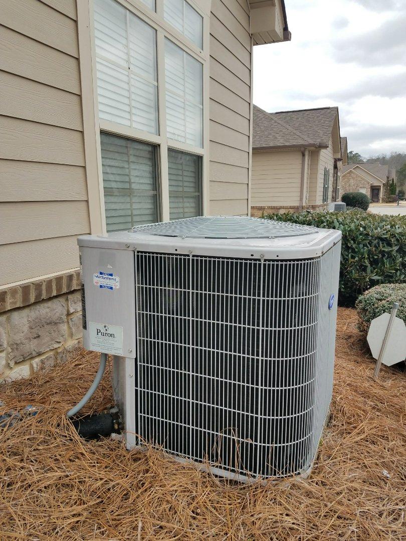 Ooltewah, TN - Preventive maintenance. Performed spring maintenance on Carrier HVAC system.