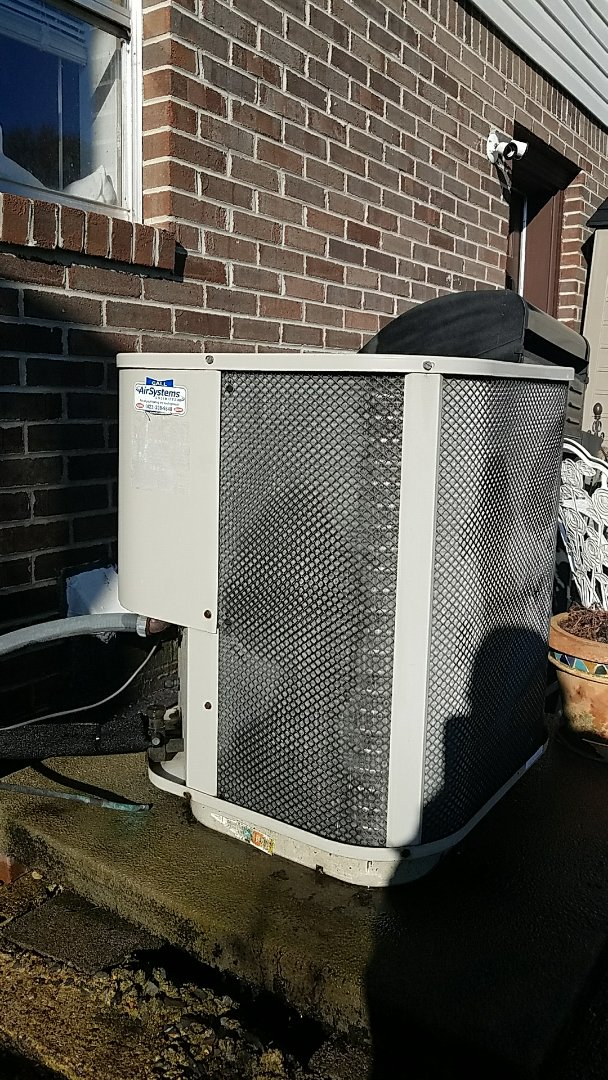 Cleveland, TN - Preventive maintenance. Performed maintenance on Frigidaire heat pump.