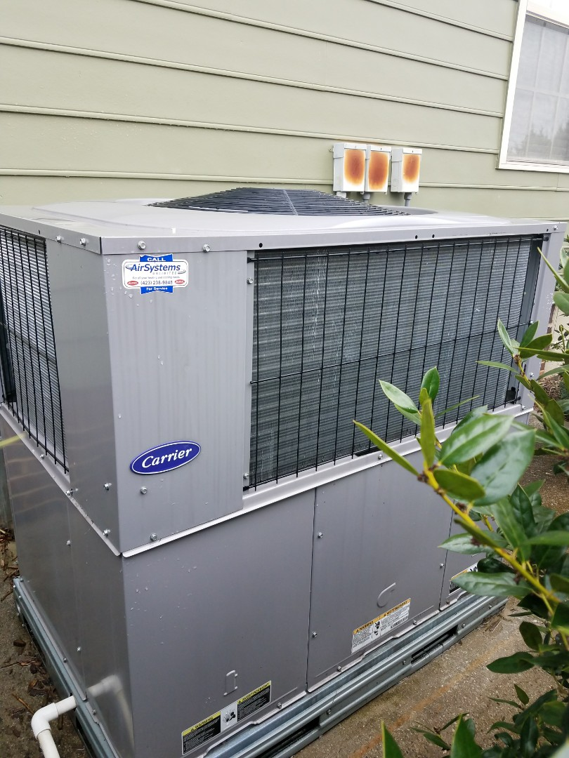 Ooltewah, TN - Preventive maintenance. Performed maintenance on carrier and Lennox hvac systems.