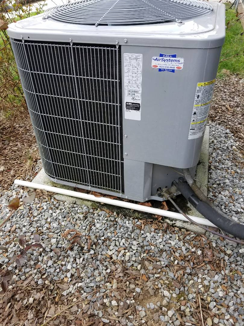 Signal Mountain, TN - Service call. Performed repair on Carrier Heat Pump HVAC System