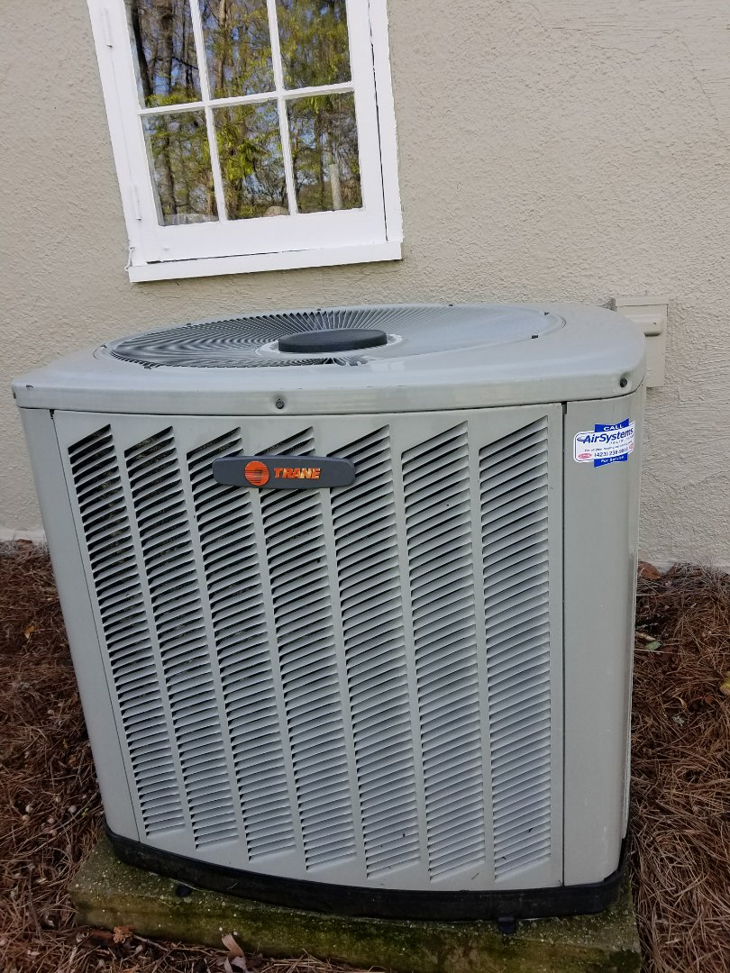 Signal Mountain, TN - Maintenance Call. Performed tune up on Trane AC