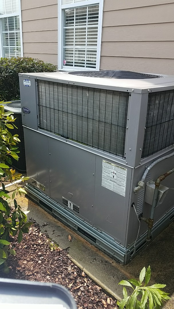 Ooltewah, TN - Preventive maintenance. Performed maintenance on carrier and Lennox heating and air systems.