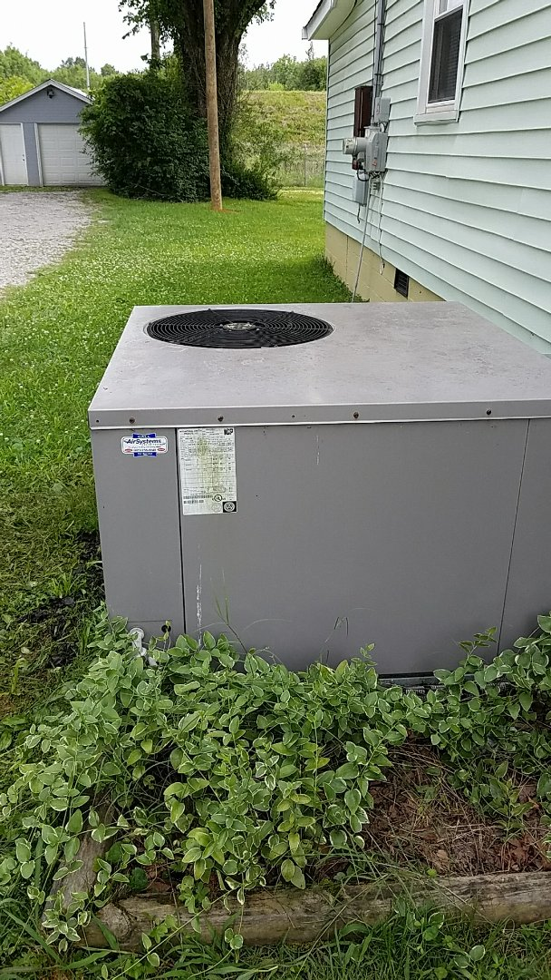 Chattanooga, TN - Service call. Performed repair on Tempstar heat pump