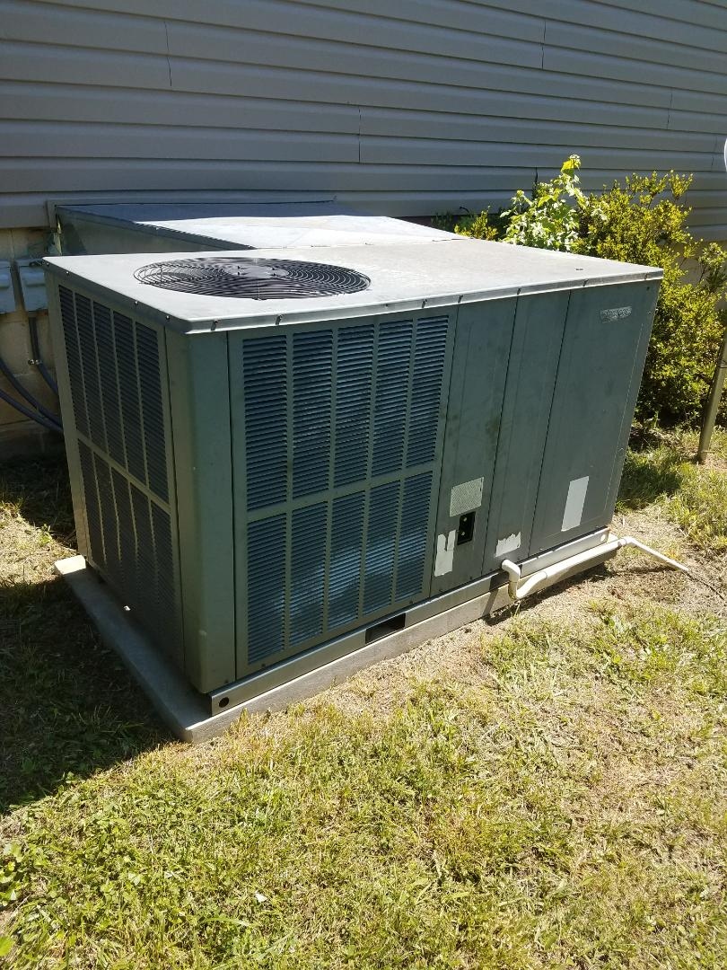 McDonald, TN - Service call. Performed repair on Amana heat pump.